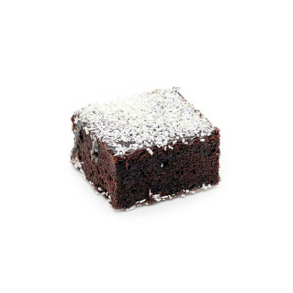 Mjuk, saftig chokladkaka med tryffel glasyr och kokos.